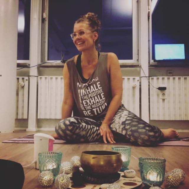 Instruktör Nirvana Fitness Yoga